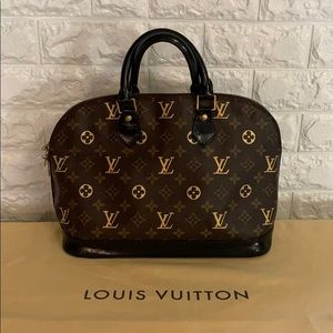 Authentic Louis Vuitton Alma PM Gold Monogram